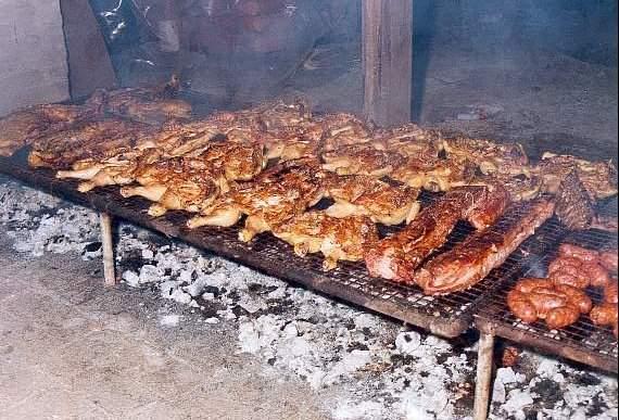 Image: Hacer el asado es cosa de hombres | ABRIENDO CAMINOS DE VIDA